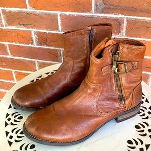 TAOS Convoy Bootie Leather Ankle Boots